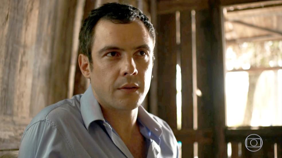 Gael vê a mãe na mina de esmeraldas com Zé Victor e suspeita de algo (Foto: TV Globo)
