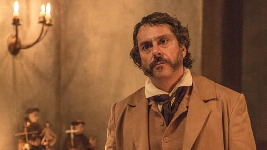Alexandre Nero é exaltado em estreia de 'Filhos da Pátria'