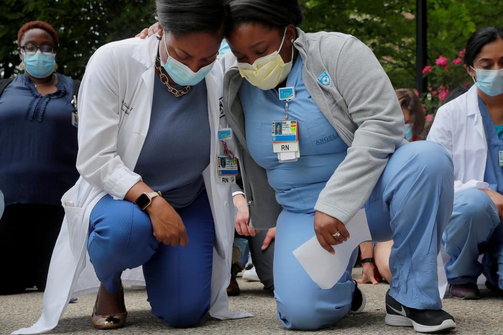 Enfermeiras da cidade de Minneapolis, em junho de 2020 — Foto: Brian Snyder/Reuters