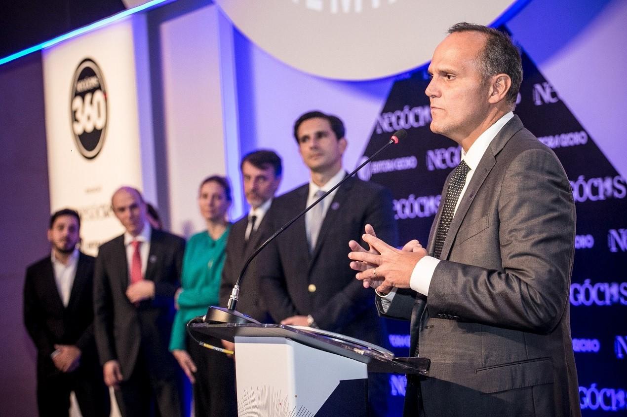 Bernardo Pinto Paiva, presidente da Ambev, recebe o principal prêmio do 360° (Foto: Keiny Andrade)