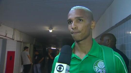 """""""Foi Moisés ou Victor?"""" Trocado, autor de gol de falta do Palmeiras confunde até Deyverson"""