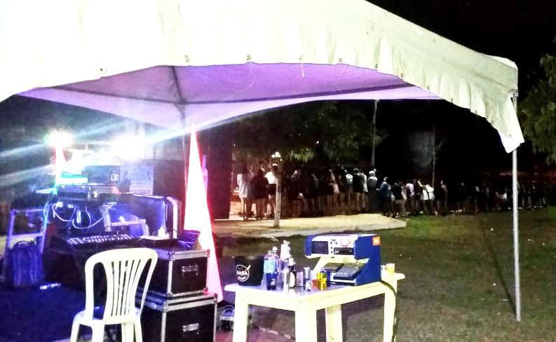 Festa clandestina com mais de 200 pessoas é encerrada em Vitória da Conquista, sudoeste da Bahia