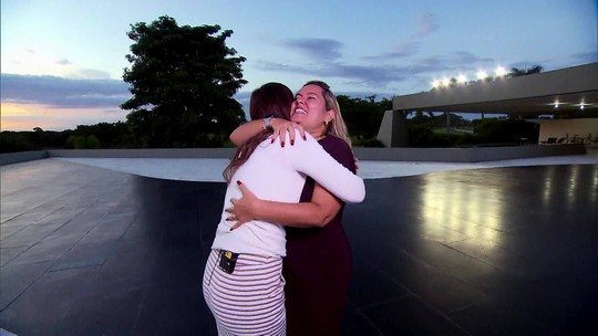 Andréia Sadi entrevista Paula Mourão, esposa do vice-presidente