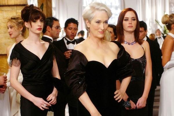 Cena de O Diabo Veste Prada com Anne Heathway (Andrea), Meryl Streep (Miranda) e Emily Blunt (Emily) (Foto: Reprodução)