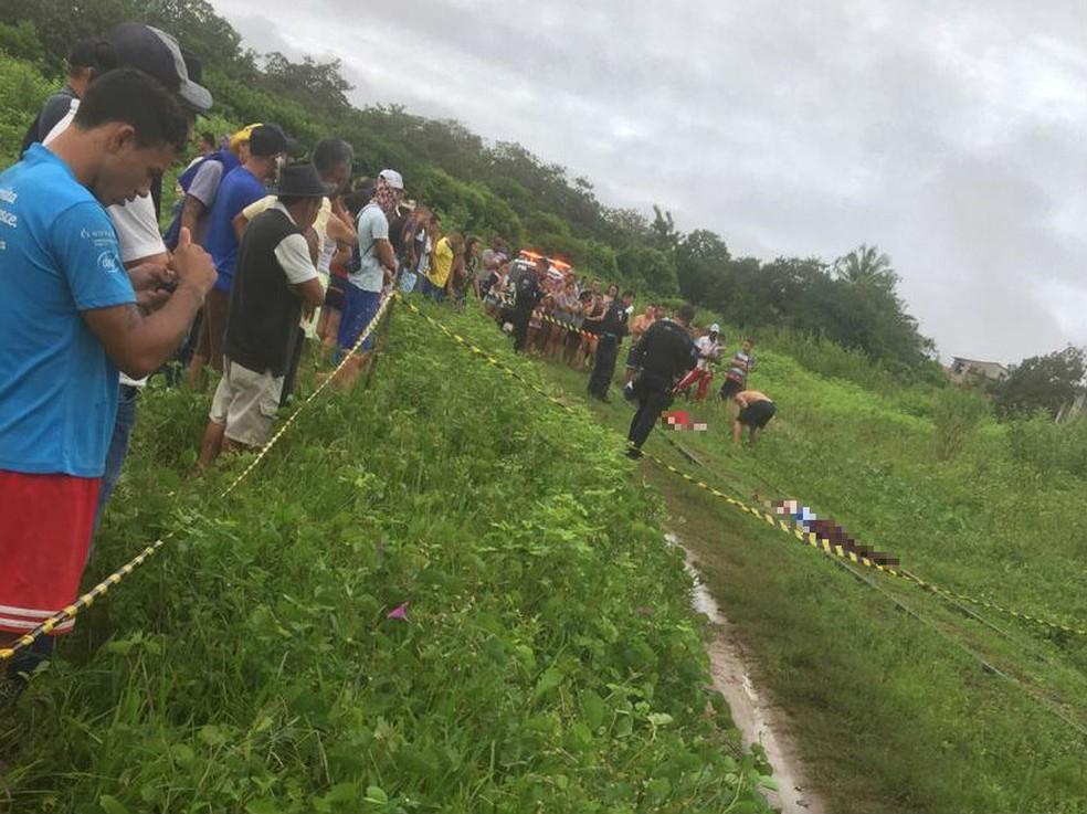 Corpos foram achados na manhã desta sexta-feira (5), na estação ferroviária, em São Gonçalo do Amarante — Foto: Reprodução/SVM