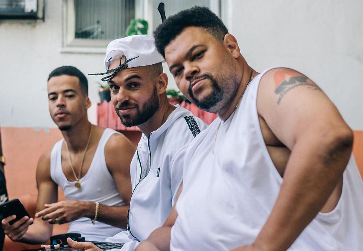 Babu Santana exalta 'Morrão' do Vidigal em single de Papatinho | Blog do Mauro Ferreira