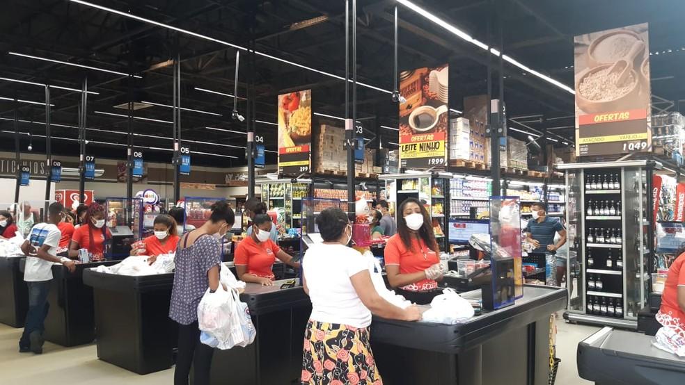 Vale-alimentação é estudantes da rede estadual de ensino da Bahia — Foto: Adriana Oliveira/TV Bahia