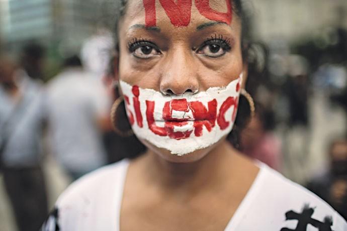 """""""Não ao silêncio"""": mexicana participa de protesto contra a morte de jornalista, em junho de 2017 (Foto: Miguel Tovar / LatinContent / Getty Images)"""