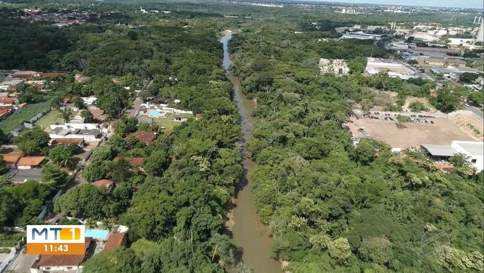 Rio Coxipó atravessa a cidade e abastece mais de 50 mil pessoas em Cuiabá — Foto: Reprodução/TVCA
