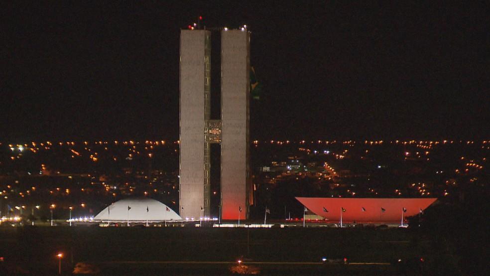 Iluminação de Natal na Esplanada — Foto: Reprodução/TV Globo