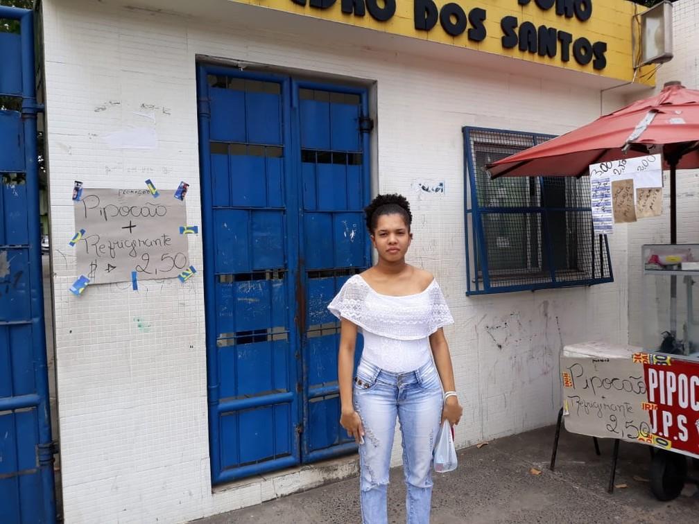 Simoni contou que daria tempo de pegar o documento em casa e voltar para fazer a prova — Foto: Alan Oliveira/ G1