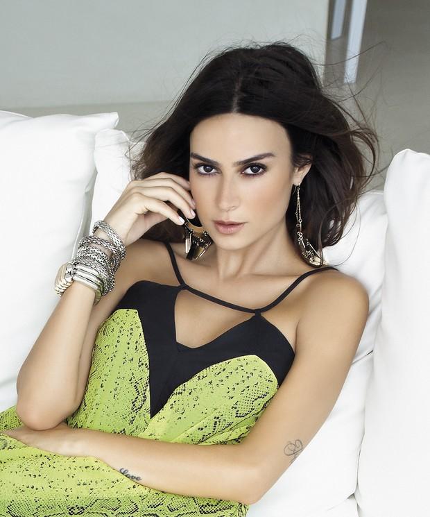EGO - Thaila Ayala deixa barriguinha à mostra em nova campanha de grife - notícias de Moda