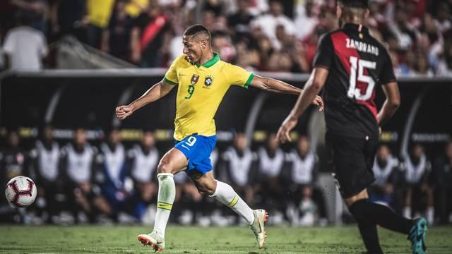 Richarlison foi o melhor do Brasil em campo