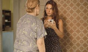 Na segunda-feira (17), Betina (Isis Valverde) vai descobrir que é irmã de Álvaro (Irandhir Santos) e decide reclamar seu direito à herança de seu pai | Reprodução