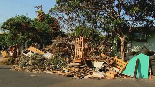 Sujeira em ecoponto gera reclamação de moradores em São Carlos