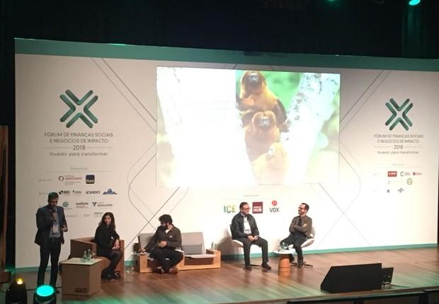 Palco do Fórum de Finanças Sociais e Negócios de Impacto, ocorrido nesta quarta-feira, em São Paulo (Foto: Ana Carolina Nunes)