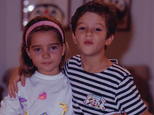 Tatyane Goulart e Eduardo Caldas em 'Felicidade' (Foto: TV Globo)