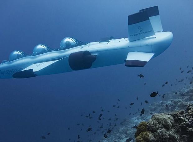 Submarino Super Falcon 3S, criado pelo Hotel Fours Seasons Landaa Giraavaru: ele acomoda até 2 hóspedes e permite vista 360º do Oceano (Foto: Daily Mail / Reprodução)