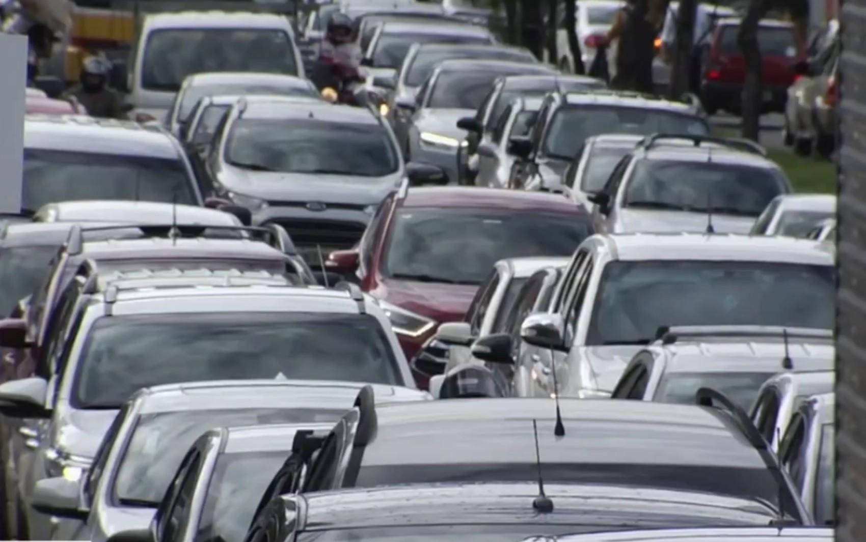 Goiânia tem 605,3 mil carros e possui a 6ª maior frota do país, aponta estudo
