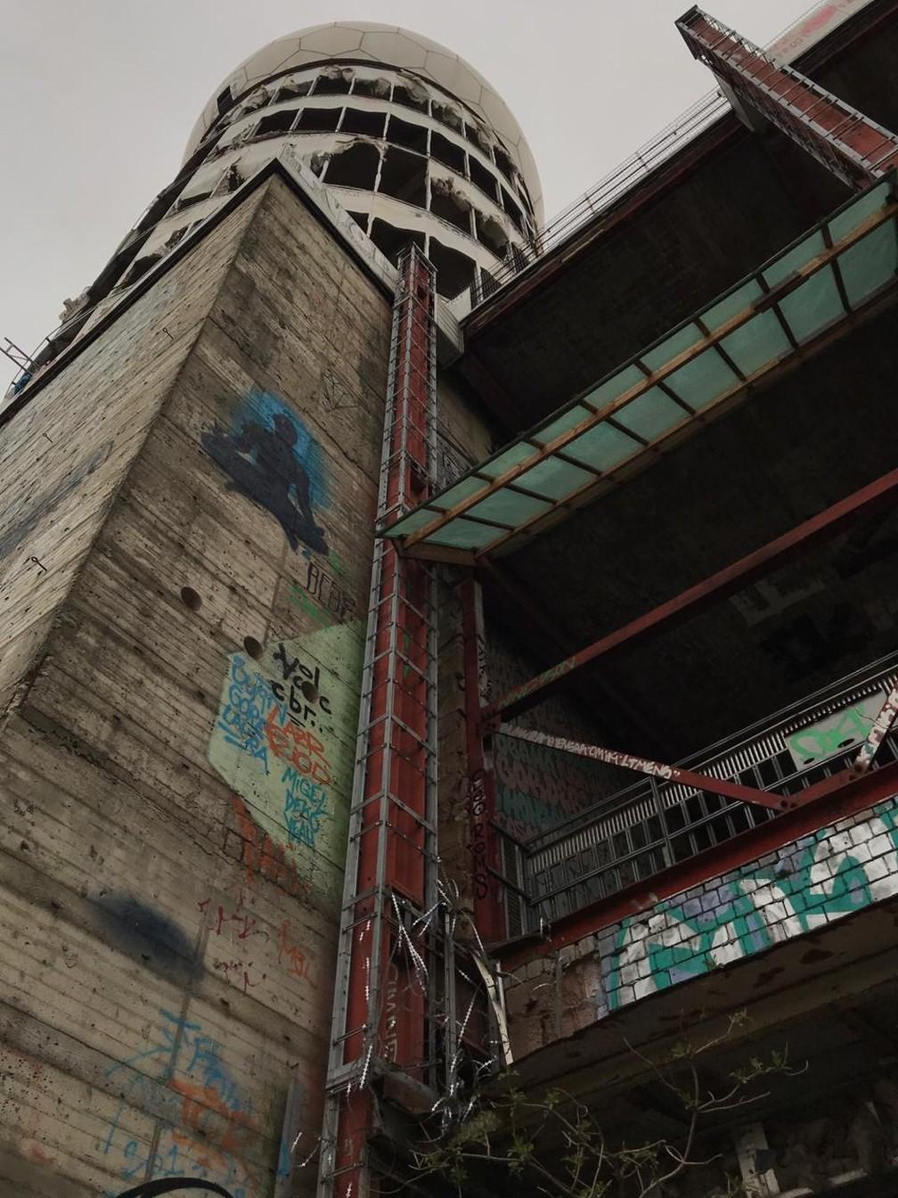 A 'Montanha do Diabo', em Berlim, surgiu com o depósito de milhões de toneladas de escombros da 2.ª Guerra Mundial, e hoje é ponto turístico — Foto: Rafael Crespo/Arquivo Pessoal