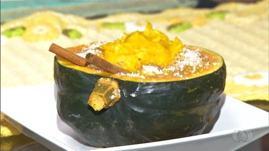 Chef de cozinha ensina como preparar receita de curau de abóbora