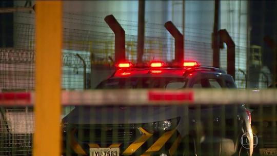 Ladrões armados de fuzis roubam 9 mil celulares de terminal de cargas em Porto Alegre