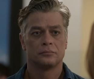 Fabio Assunção em cena como o Arthur em 'Totalmente demais'   TV Globo