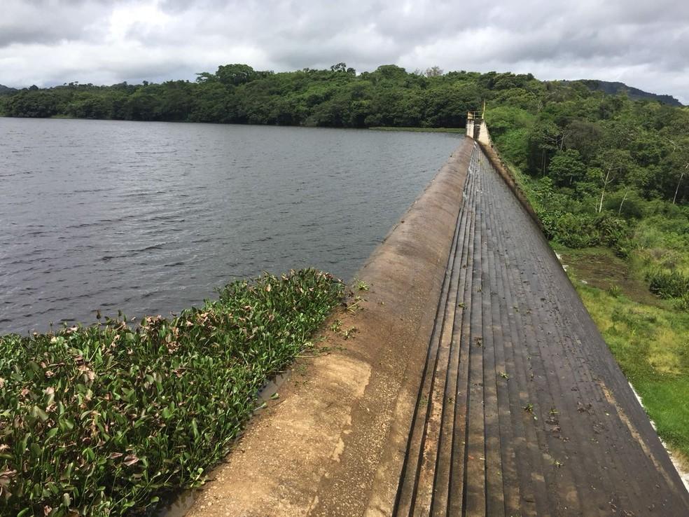 Barragem do Prata 'sangrou' em Bonito, no Agreste de Pernambuco (Foto: Compesa/Divulgação)