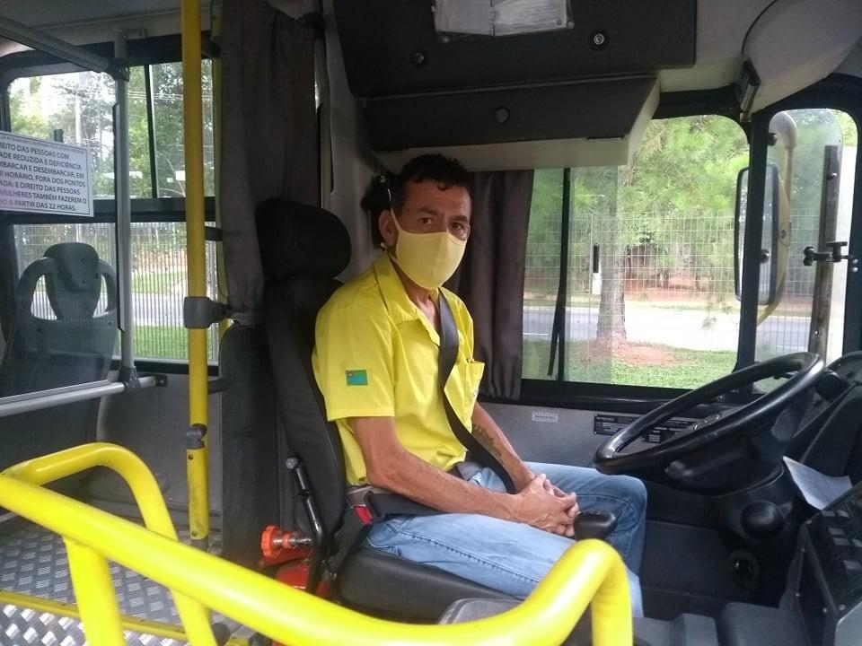 Motorista acha carteira com dinheiro dentro de ônibus e devolve para dona em Jundiaí: 'Empatia'