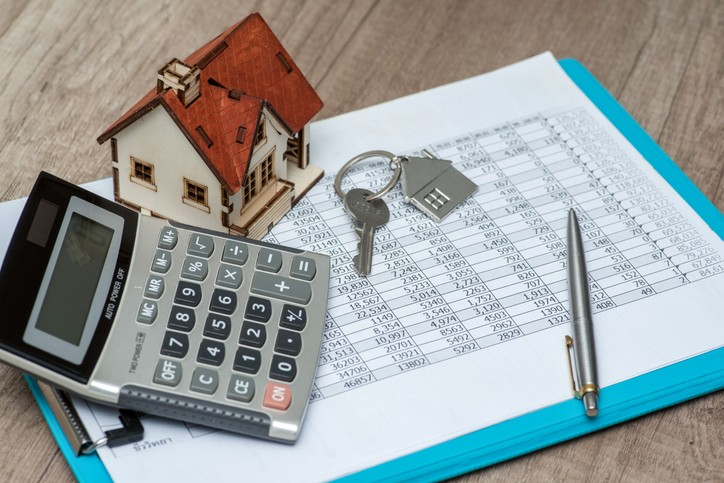 5 dicas para organizar as finanças e alugar um imóvel (Foto: Getty Images)