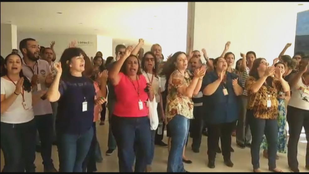 Servidores de Minas Gerais protestam contra salários atrasados — Foto: Reprodução/TV Globo