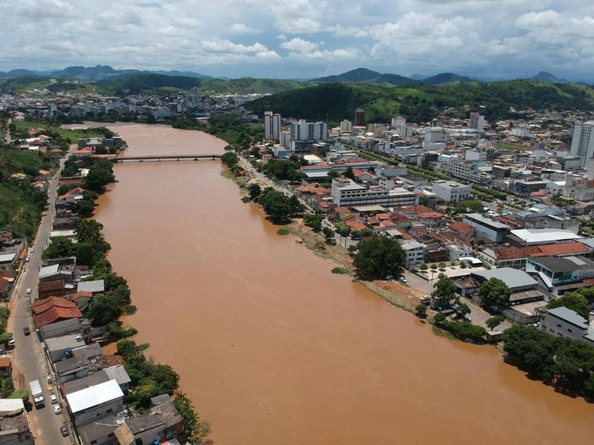 Aumento no nível do Rio Muriaé deixa Defesa Civil em alerta em Itaperuna, no RJ
