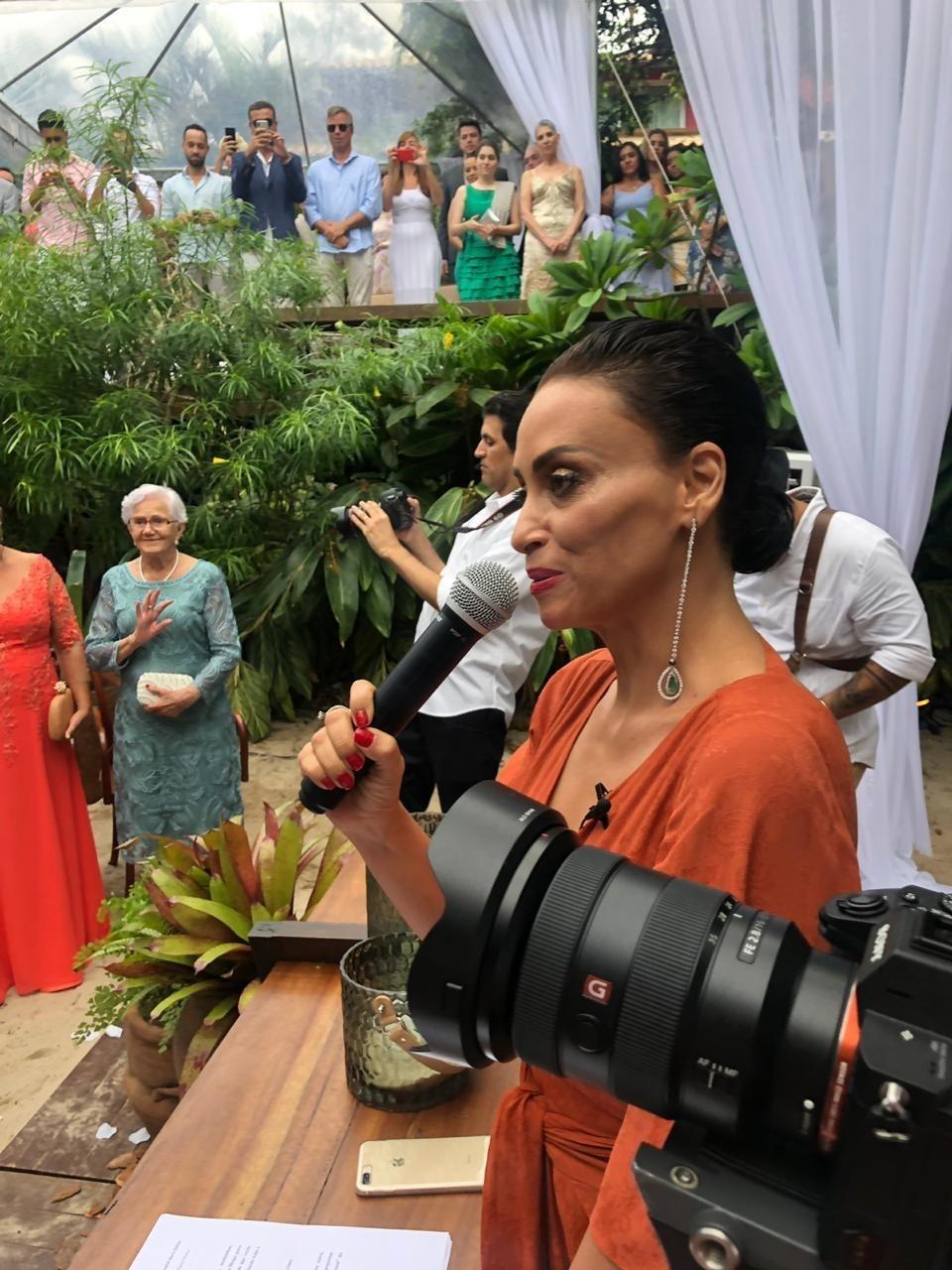 Suzi Pires fez discurso na cerimônia