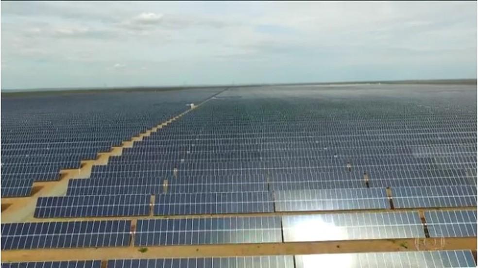 Placas fotovoltaicas vão gerar energia em Ribeira do Piauí (Foto: Reprodução / TV Clube)