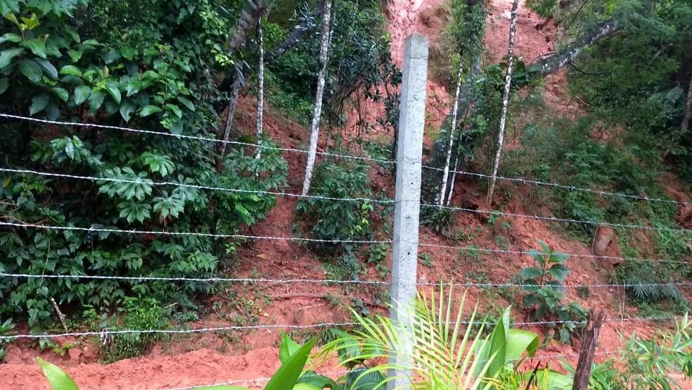 Chuva causa alagamento e pequenos deslizamento de terra em Ubatuba. — Foto: Defesa Civil