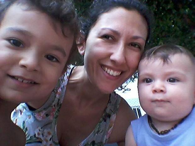 Barbara e os filhos Arthur e Eric (Foto: Acervo pessoal)