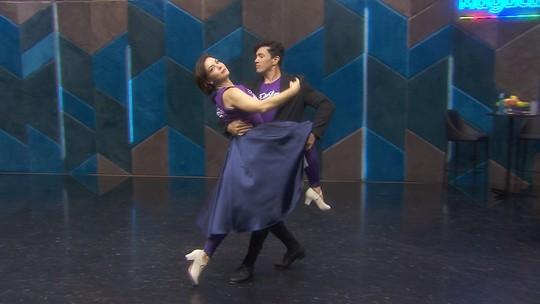 Ensaios para o foxtrote no 'Dança' tiveram tombo e até passinho de funk; confira os vídeos!