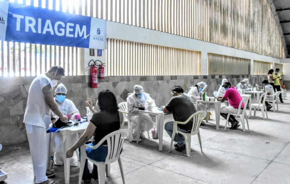 Centro de Atendimento para Enfrentamento à Covid-19 foi montado no Palácio dos Esportes — Foto: Joana Lima