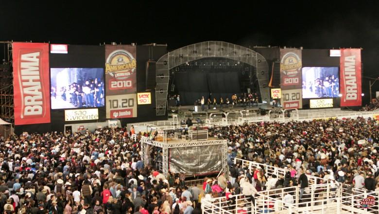 Festa do Peão de Boiadeiro de 2010, em Americana (SP) (Foto: Foto Perigo)
