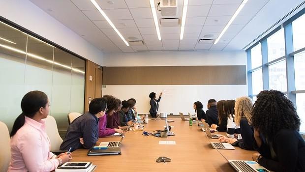 Reunião; negócios; executivas (Foto: Pexels)