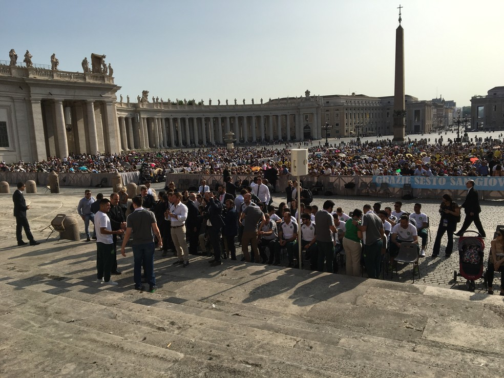 Delegação da Chape no Vaticano (Foto: Ivan Raupp)