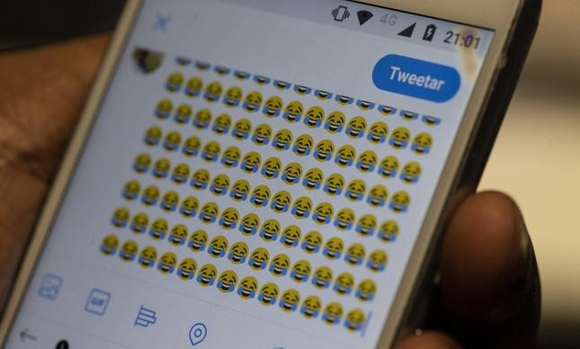 Chorando de rir, emoji mais usado nas eleições