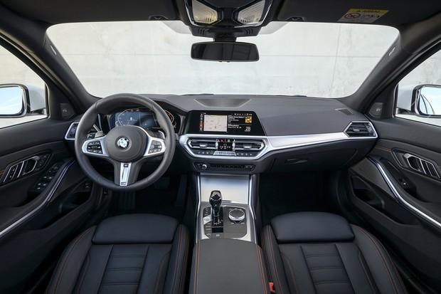 BMW 320 (Foto: Divulgação)