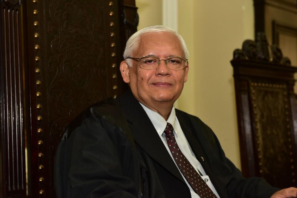 Desembargador Adalberto Oliveira Neto foi eleito para comandar o Tribunal de Justiça de Pernambuco (TJPE) em 2018 e em 2019 (Foto: Divulgação/TJPE)