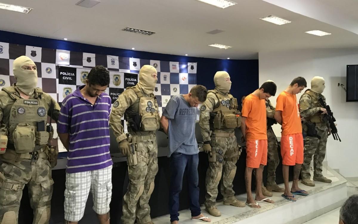Resultado de imagem para Quatro jovens são presos suspeitos de decapitar homem para 'assustar' irmão da vítima, em Goiânia