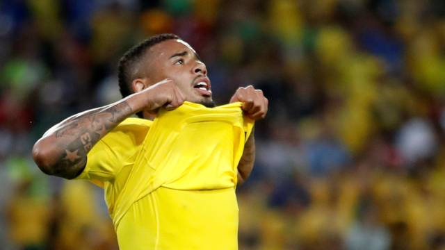 Gabriel Jesus lamenta gol perdido