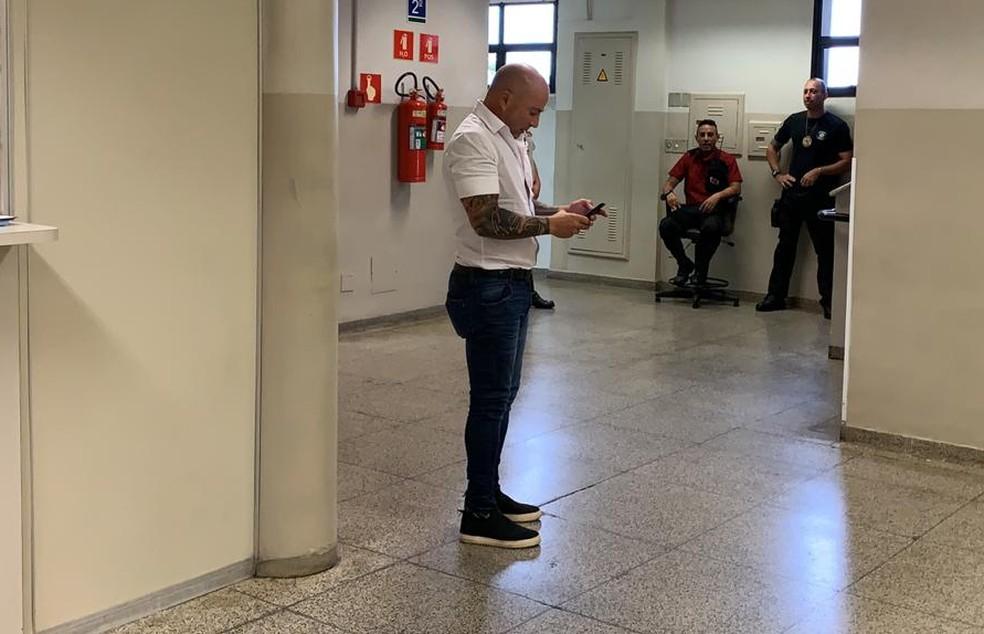 Jorge Sampaoli após a audiência com o Santos — Foto: Bruno Giufrida