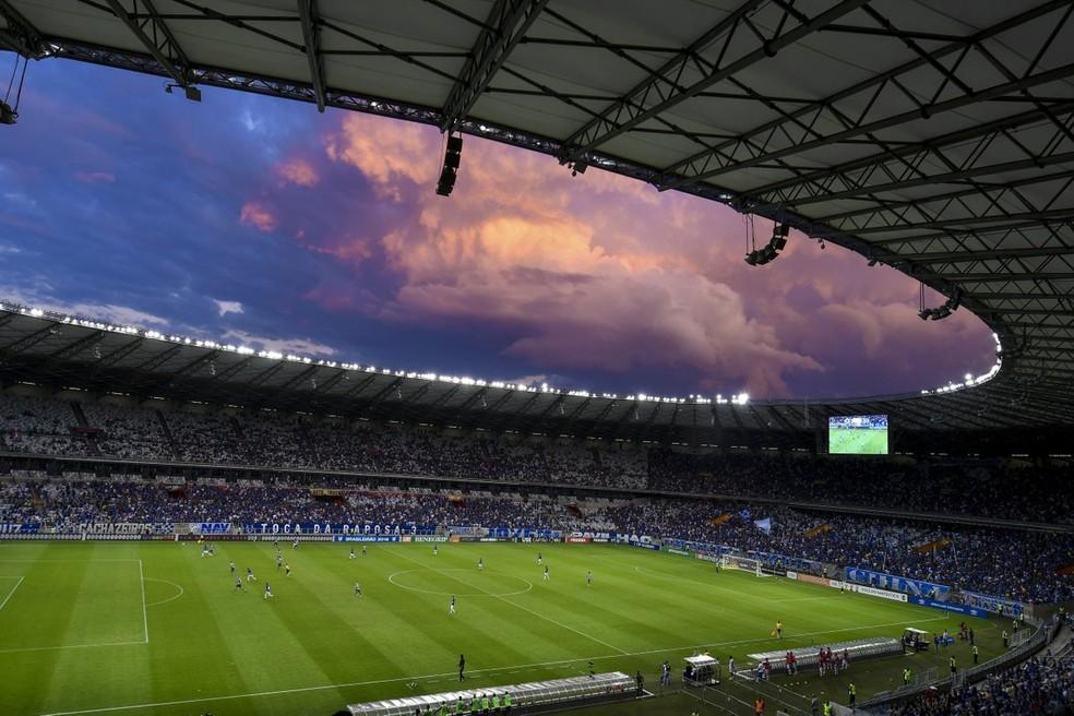 Mineirão recebeu mais de 20 mil torcedores (Foto: Agência i7)
