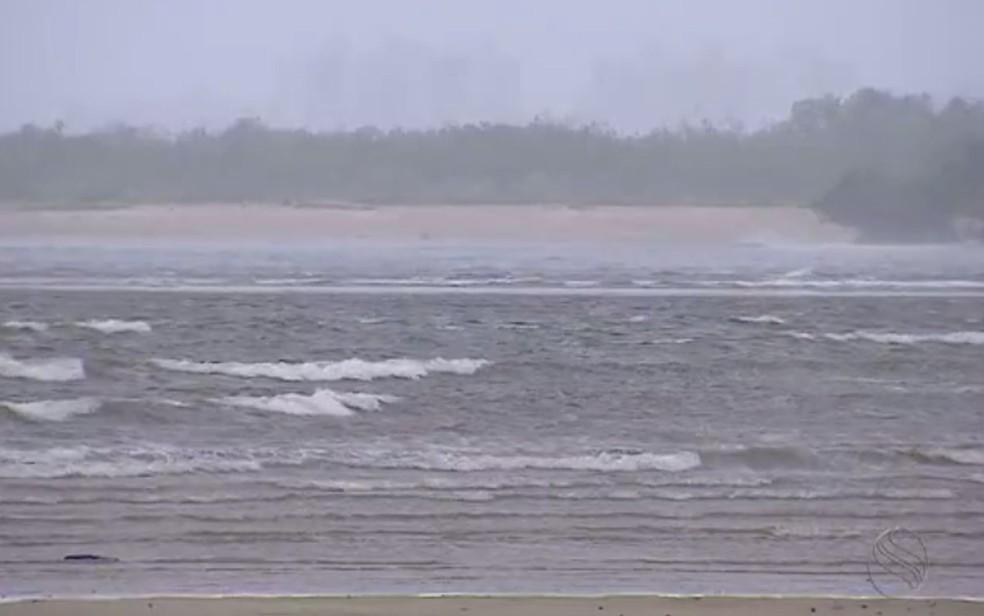 Ressaca do mar em Sergipe — Foto: Reprodução/TV Sergipe/Arquivo
