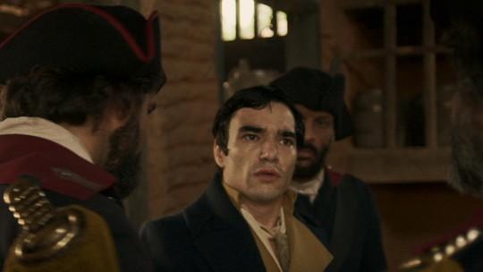 André é preso após romance com Tolentino ser descoberto